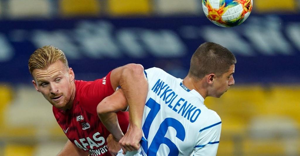 Vitaliy Mykolenko emerges as Manchester United target