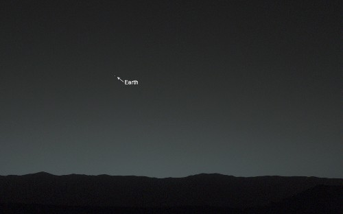 Curiosity photo casts Earth and moon as 'evening stars' in Martian sky