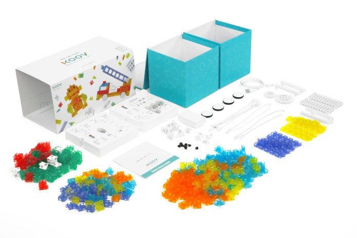 Sony made a 300+ piece coding kit for kids to bring blocky robots to life