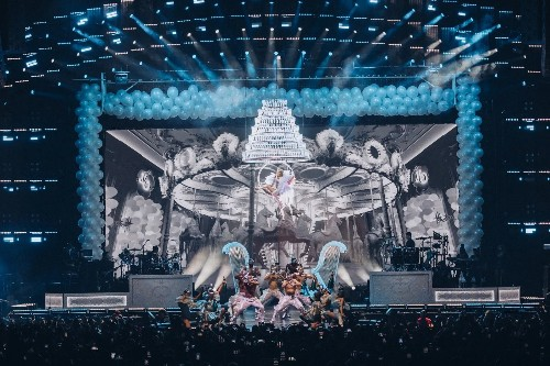 How to design a tour good enough for Katy Perry, Taylor Swift, or J.Lo