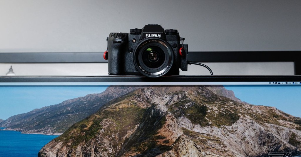 How to use your DSLR or mirrorless camera as a webcam