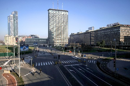 Milan tries a temporary ban on cars to reduce pollution
