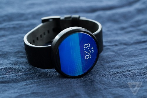 Motorola offers brief look at the new Moto 360