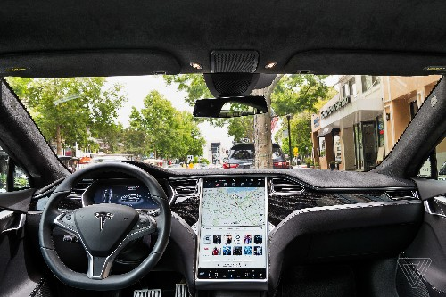 Tesla Model S is the epitome of a tablet on wheels