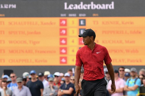 It's happening. Tiger Woods holds the Sunday lead the Open.