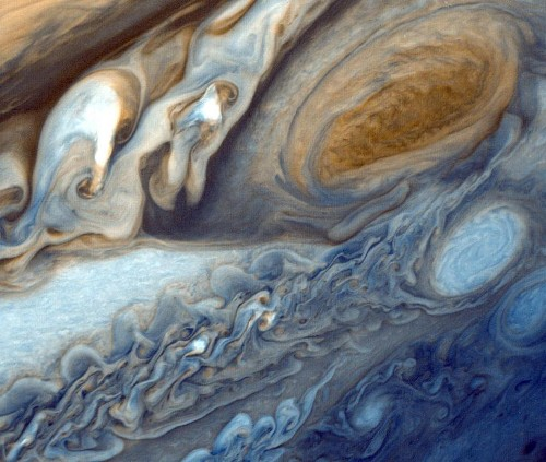 NASA's Juno spacecraft will peer into Jupiter's planet-sized storm tonight
