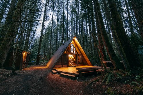 7 cute and cozy A-frame rentals in the Cascade Mountains