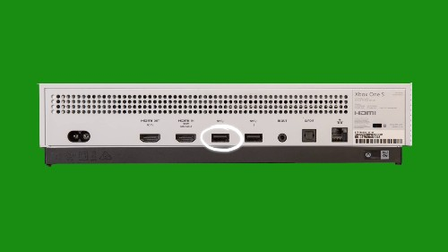 Xbox Scorpio also ditches the Kinect port