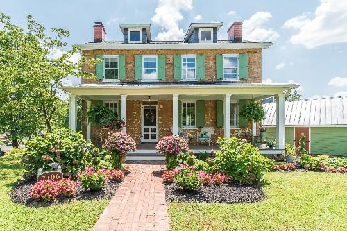 Charming Georgian-style farmhouse asks $399K