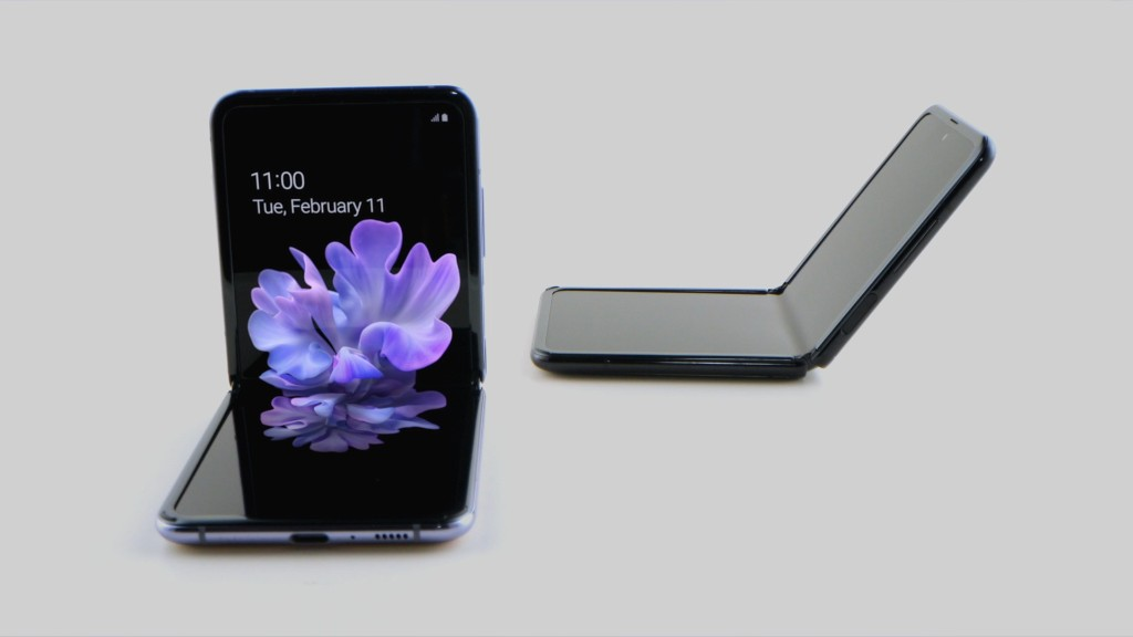 Samsung's Galaxy Z Flip should be more durable than the troubled Galaxy Fold