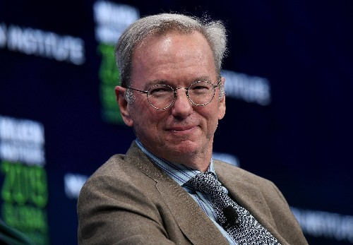 Google employees and critics protest Eric Schmidt's keynote at Stanford AI conference
