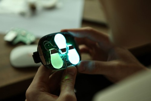 iMotion kickstarts motion controllers inspired by 'Minority Report' and Oculus Rift