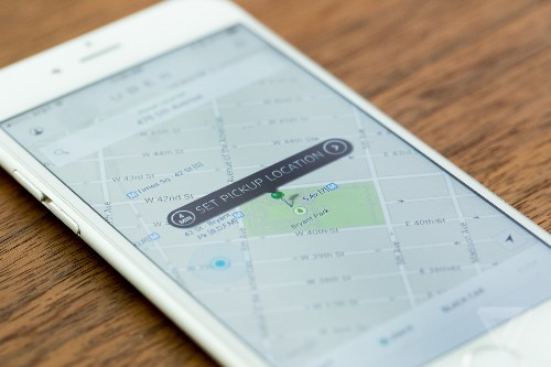 EU calls for a softer approach to Uber and Airbnb