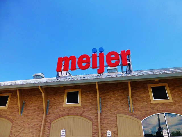 Grocery chain Meijer breaks with other CurrentC retailers to accept Apple Pay