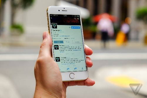 Twitter brings night mode to its iOS app