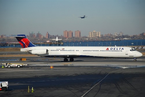 Delta Air Lines will reportedly give its pilots Microsoft Surface 2 tablets