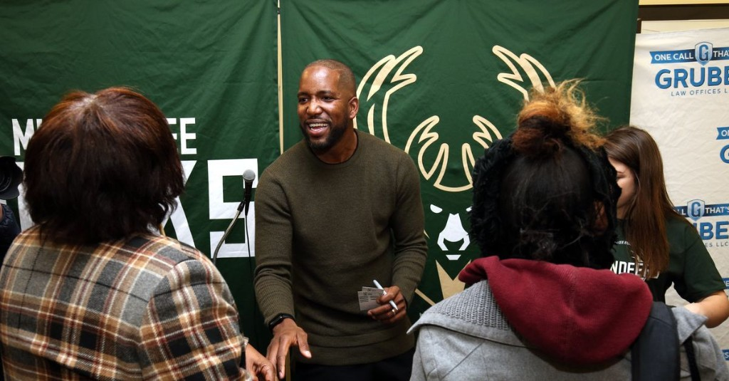 Blast From The Past: Bucks Hosting Virtual Event with Redd, Mason, Ford