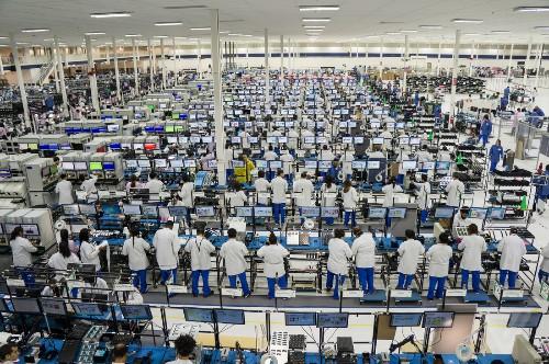 Made in America: a look inside Motorola's Moto X factory