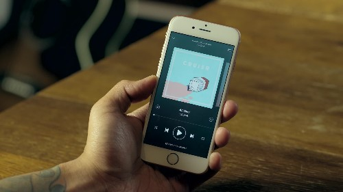 Facebook adds song clips from Spotify and Apple Music to your News Feed