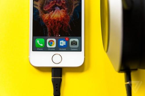 Taking the headphone jack off phones is user-hostile and stupid