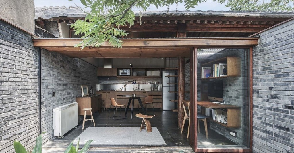This courtyard house does indoor-outdoor living in 473 square feet