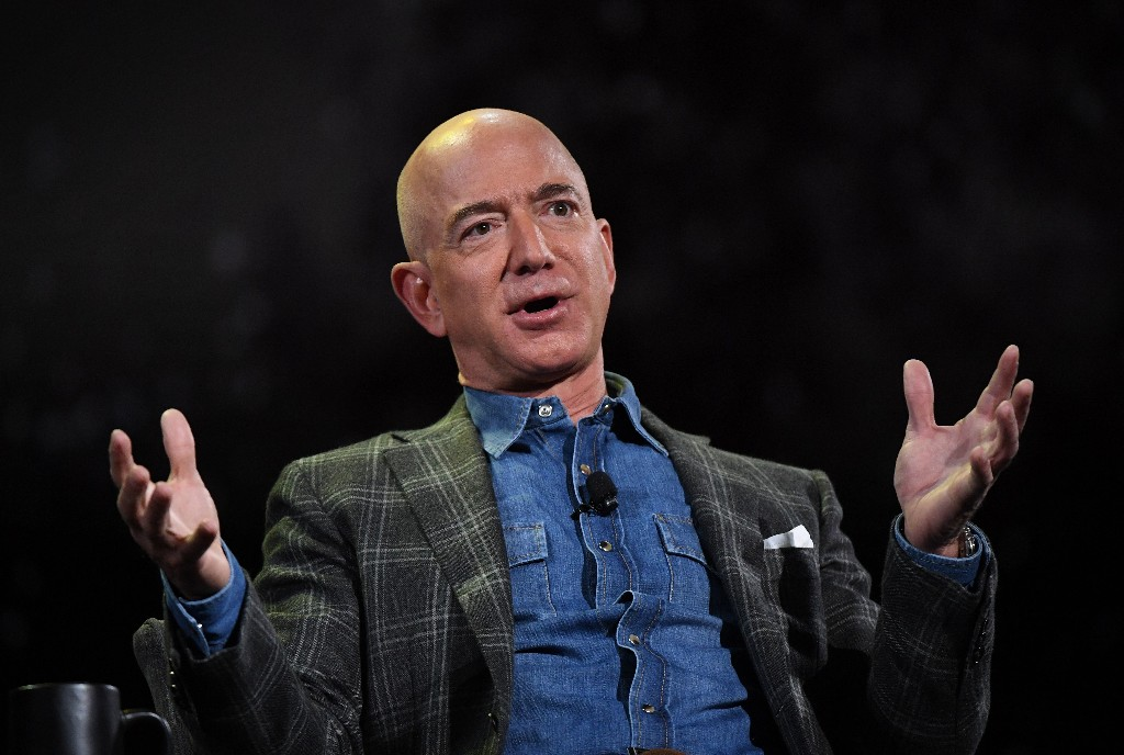 Amazon will start letting people pay with cash because not everyone has credit cards