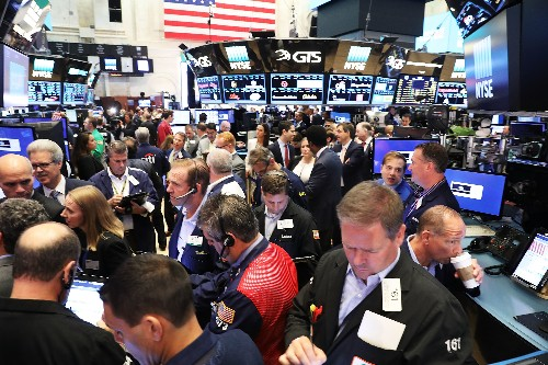 Data glitch sets tech company stock prices at $123.47