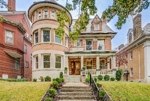 Wood-filled Victorian asks $795K in St. Louis