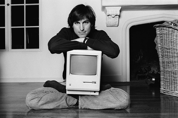 Watch Steve Jobs demonstrate the Macintosh to the public for the first time