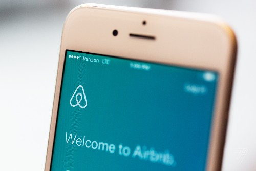 Airbnb is working on a new way to book flights