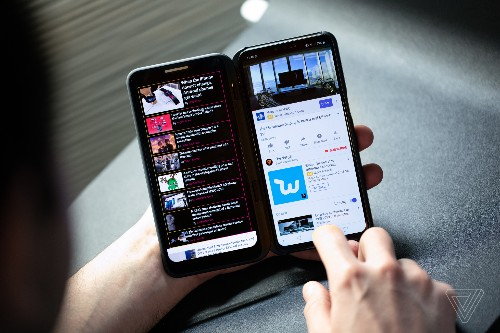 LG's answer to the foldable mania is a second screen