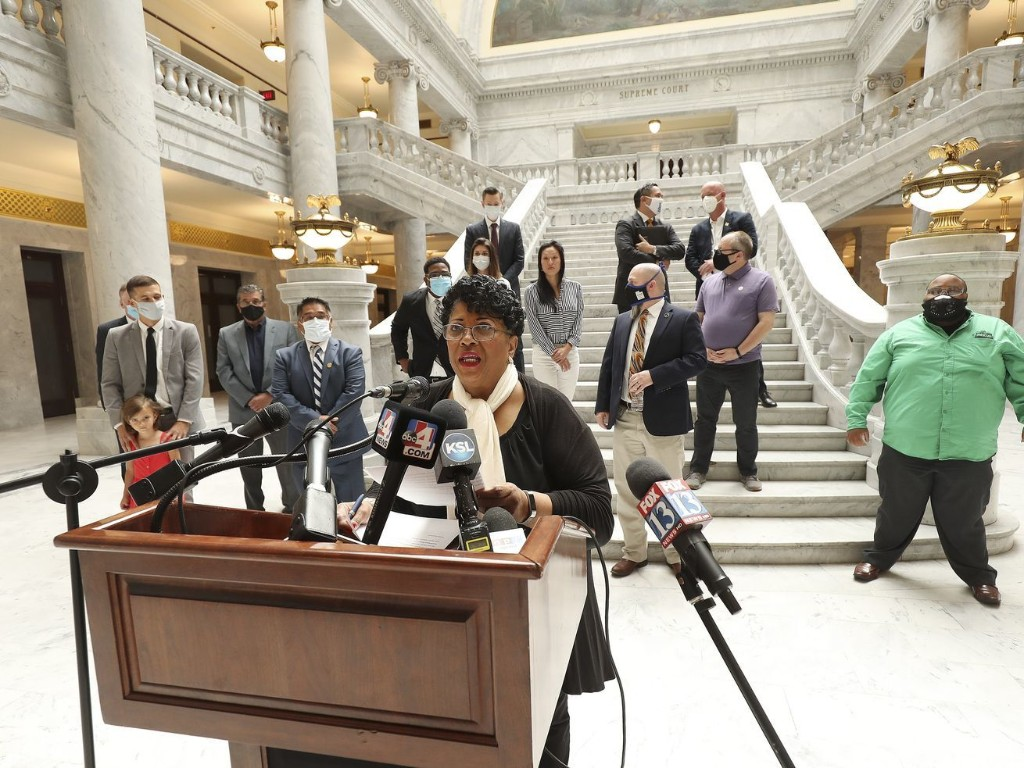 Could chokeholds and knee holds be banned in Utah? New legislation will aim for law enforcement reforms