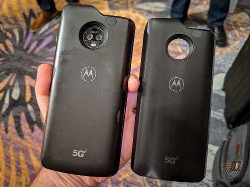 Motorola's 5G Moto Mod will have proximity shutoff sensors to limit exposure to millimeter waves