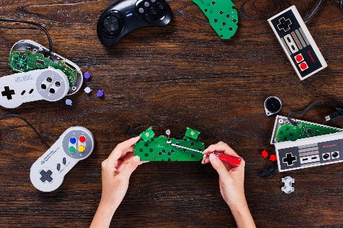 These $20 DIY kits make classic controllers wireless