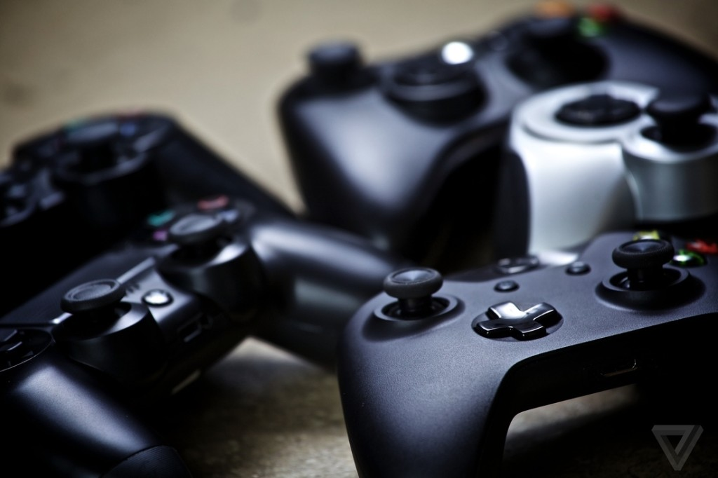 Apple TV and iOS will soon support Xbox One and PS4 controllers