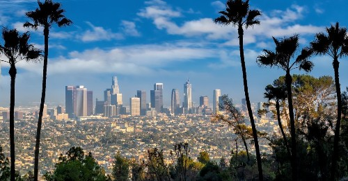 Notorious for smog, LA sees three straight weeks of clean air