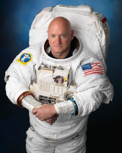 Scott Kelly's first days back on Earth — bananas, basketball, and Super Tuesday