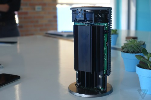 A look inside Google's new OnHub wireless router