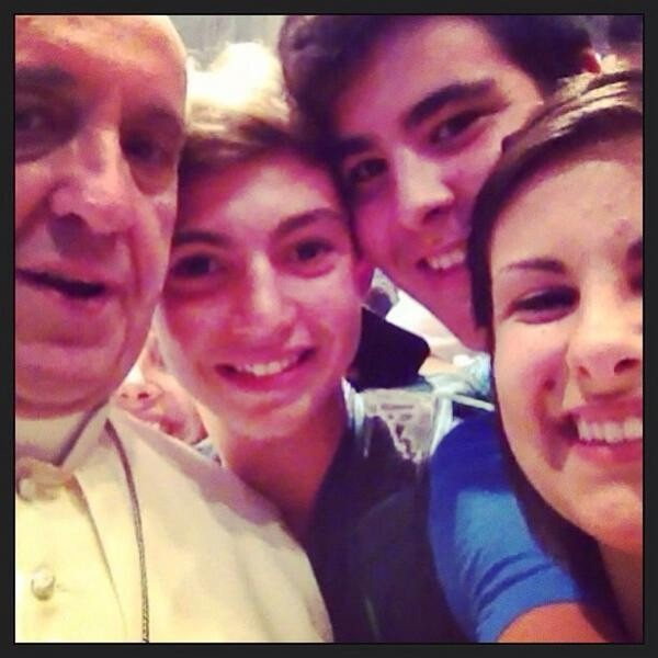 Pope Francis shows up in a selfie