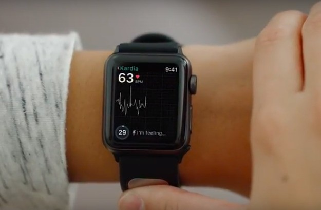 FDA clears first EKG reader for Apple Watch