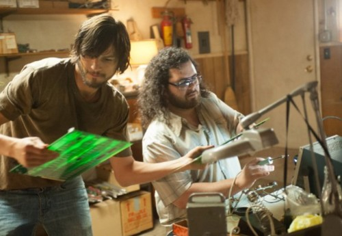 New 'Jobs' featurette offers best look yet at Ashton Kutcher as Steve Jobs