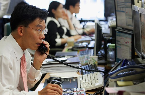 The South Korean government will shut down employee computers so they leave on time