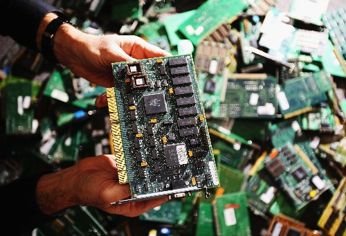 """Chinese spy chips would be a """"god-mode"""" hack, experts say"""