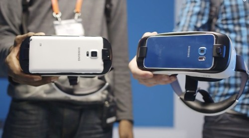 A close look at the Gear VR for the Galaxy S6