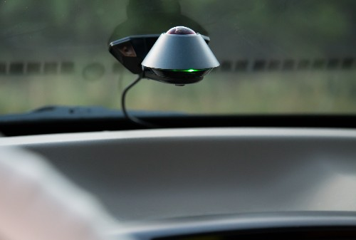 This 360-degree dashcam can alert you if someone tries to steal your car