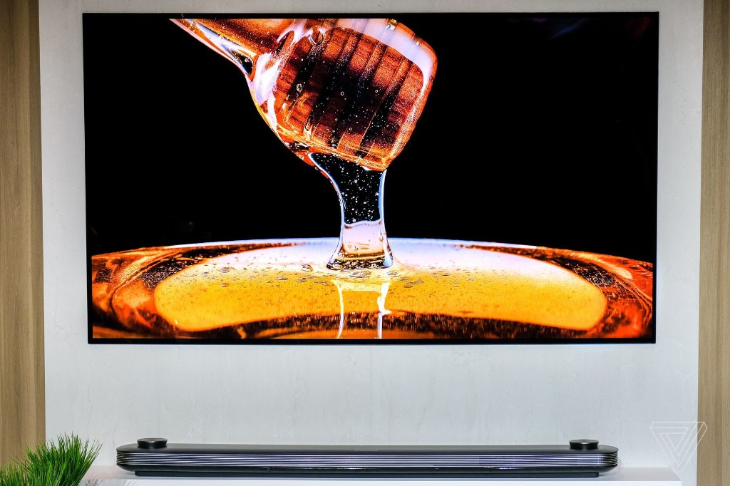 LG's acclaimed C8 OLED 4K TV is just $948 at Google Express