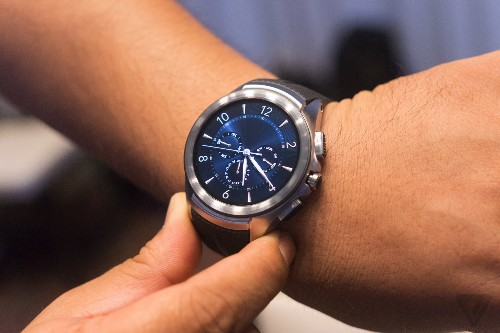 LG halts sales of LTE connected smartwatch