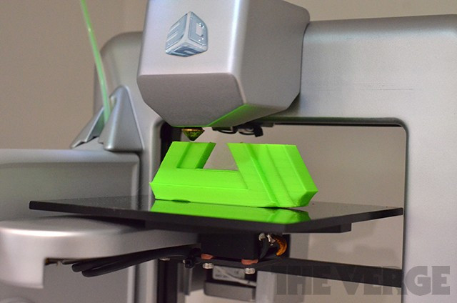 Staples becomes first major US retailer to sell 3D printers with $1,299 Cube