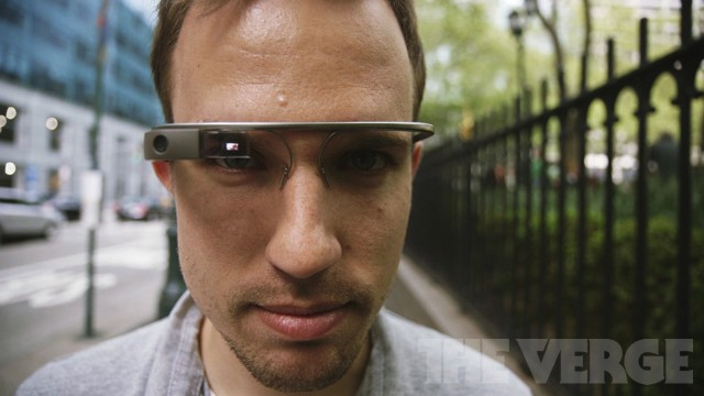 Google Glass gets full-on web browser, new hands-free functions in monthly update
