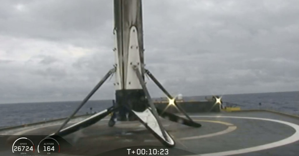 SpaceX lands all three Falcon Heavy rocket boosters for the first time ever